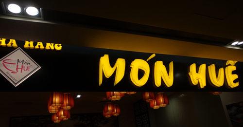 Biển led nhà hàng chữ nổi Mica