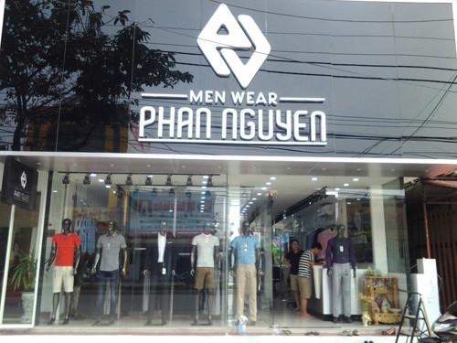 Biển quảng cáo cửa hàng Quần áo