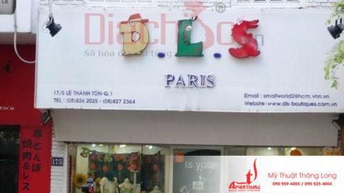 Biển hiệu cửa hàng thời trang phong cách