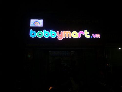 Biển quảng cáo mẹ và bé hắt sáng led