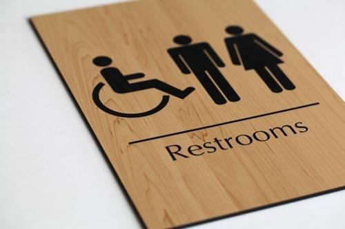 Biển nhà vệ sinh, toitlet, restroom lấy ngay.