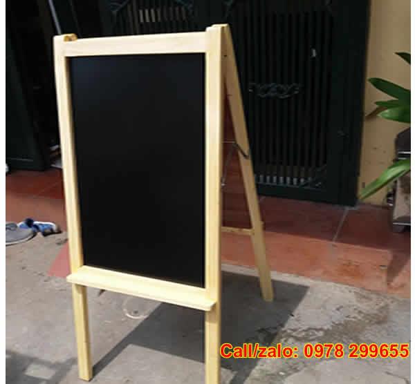 Bảng menu đen khung gỗ tự nhiên đẹp